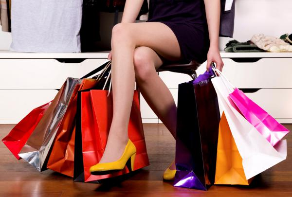 Rising Demand for International Brands in India coupled with Easy Availability on Online Shopping Sites is Driving India Online Fashion Market: Ken Research